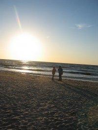spacer nad morzem